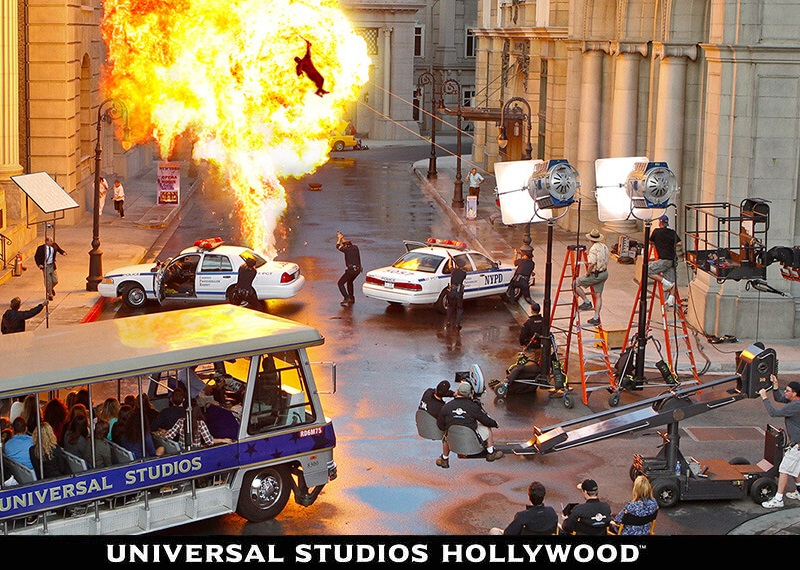Universal-Studios-Hollywood-The-World-Famous-Studio-Tour